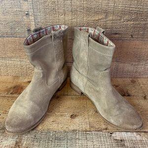 TOMS Laurel tan suede bootie boot Size 9